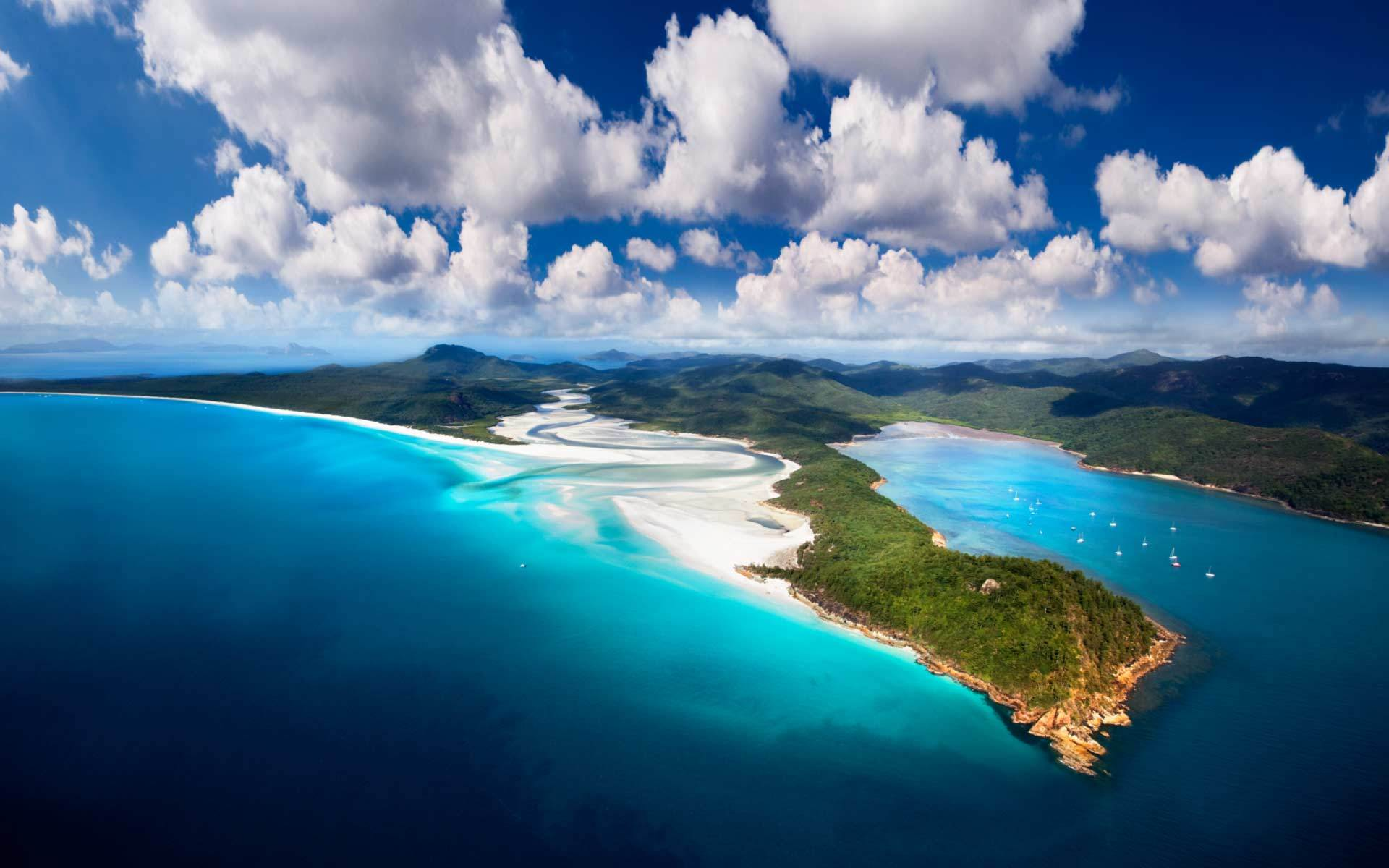 Whitehaven beach at Withsunday Islands