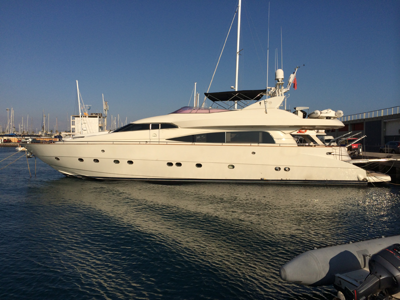 26m Yacht in Barcelona ab 4.235€ pro Tag
