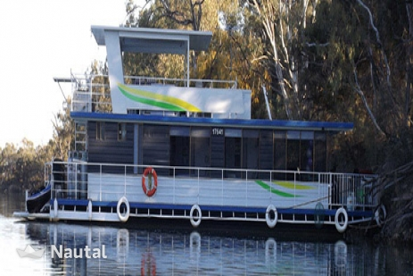 A classic Murry River Houseboat.