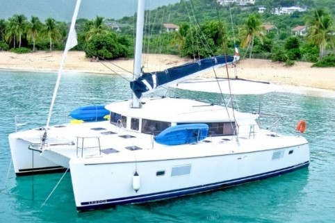 catamaran, sail this 4th of july