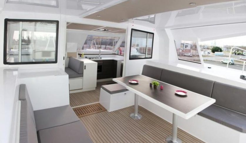The perfect catamaran Nautitech Open TS 42 for sailing in Martinique