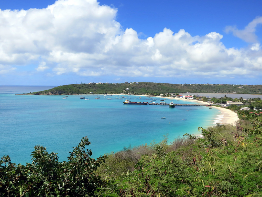 Explore the Caribbean with your boat charter in St Martin