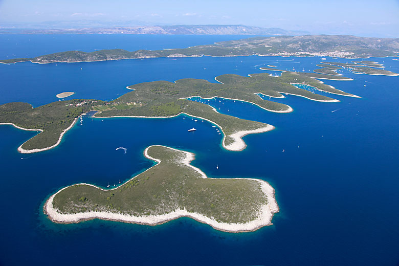 Paklinski Otoci islands on our boat charter route plan