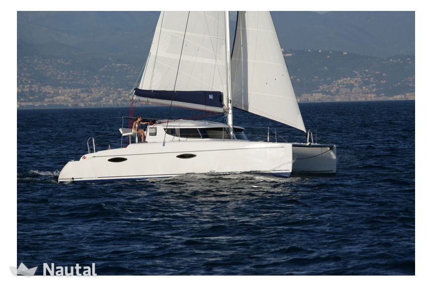 Le catamaran Mahé 36 en location à Ajaccio