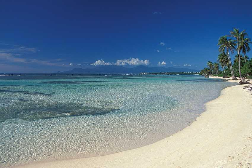 Visit the wonderful beaches when sailing in Guadeloupe