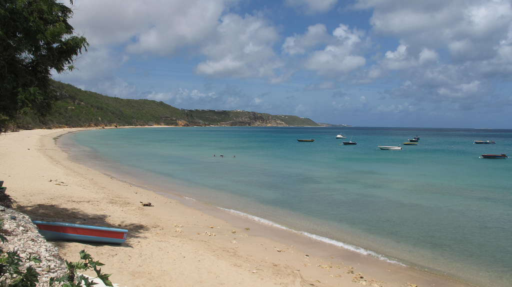 Take a stroll on Crocus Bay during your sailing holiday in Saint Martin