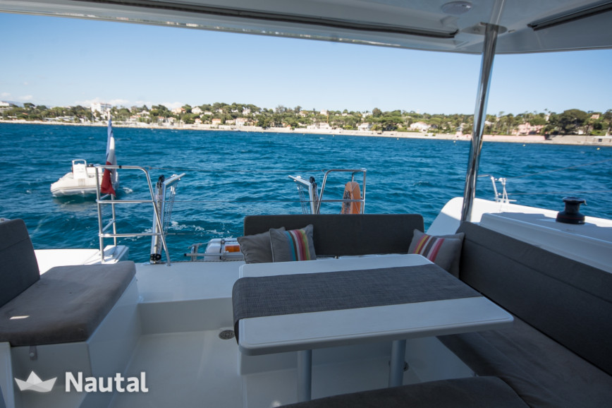 Huur catamaran Lagoon 40 MY in Port Vauban, Alpi Marittime - Antibes