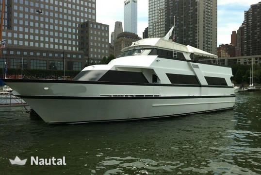 Yacht rent Custom Custom in Manhattan, New York City
