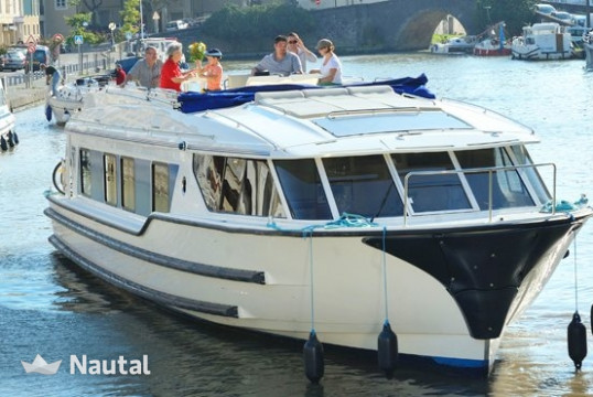 Houseboat rent Custom Vision 3 in Hindeloopen, Friesland
