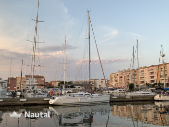 Sailing boat rent Dufour 34 E Perf in Port du Cap d'Agde, Montpellier