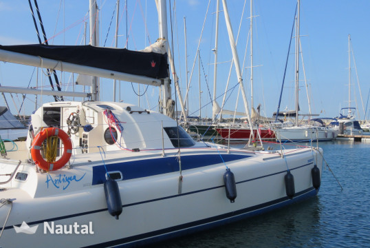 Catamaran rent Fountaine-Pajot ANTIGUA 37 in Premià de Mar, Barcelona