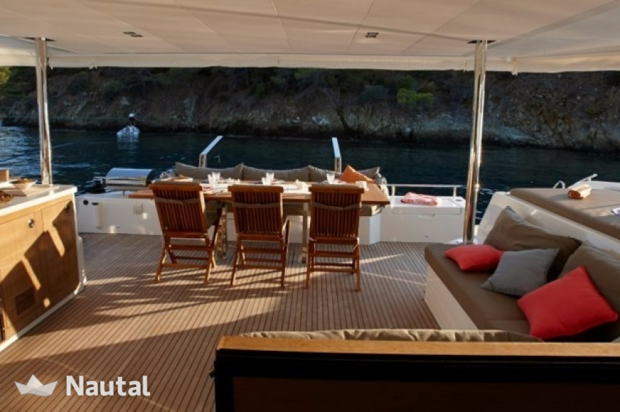 Katamaran chartern Fountaine Pajot Ipanema 58 Crewed, Port du Marin, Martinique