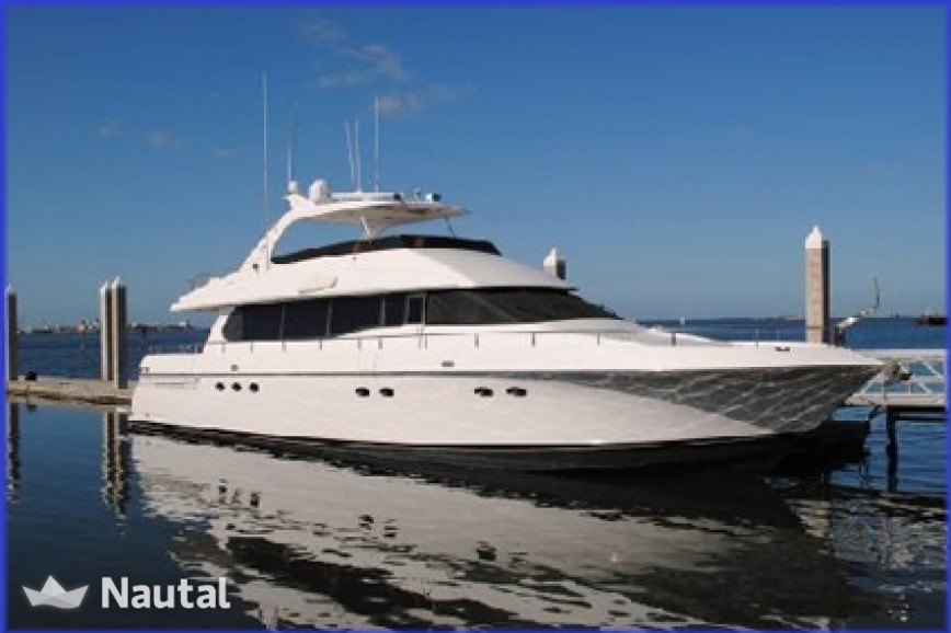 Yacht rent lazzara 76ft lazzara in nassau bahamas nautal for Nassau fishing charters