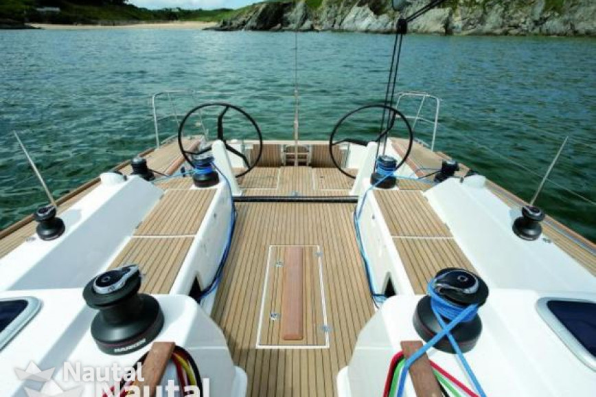 Huur zeilboot Dufour Yachts Dufour 45 E in Port Pin Rolland, Var