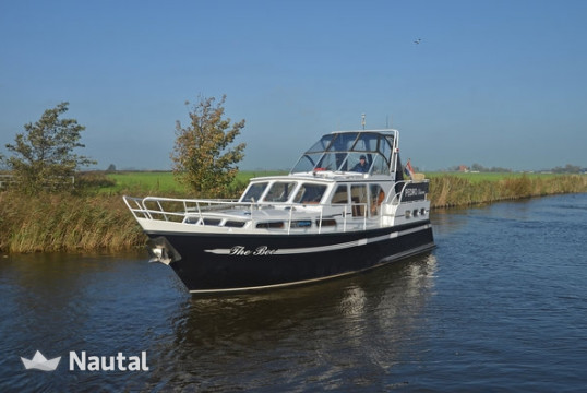 License free boat rent Pedro Boat Skiron in Koudum, Friesland