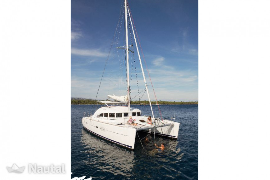 Catamaran rent Lagoon-Bénéteau Lagoon 380 - 4 + 1 cab. in Port of Lefkas, Lefkas