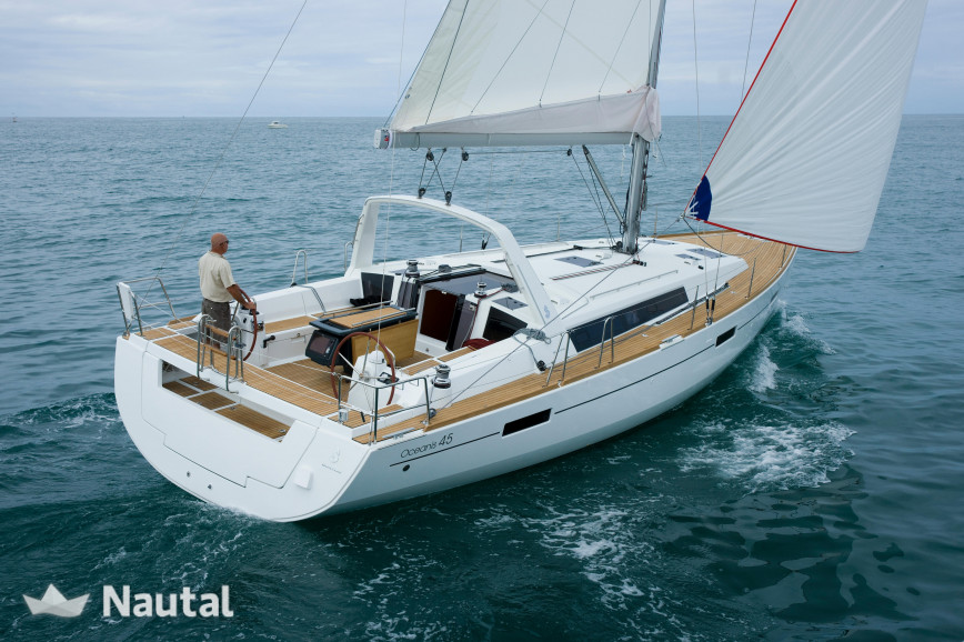 Rent This 13 94 Meter Sailboat To Reach The Best Coves