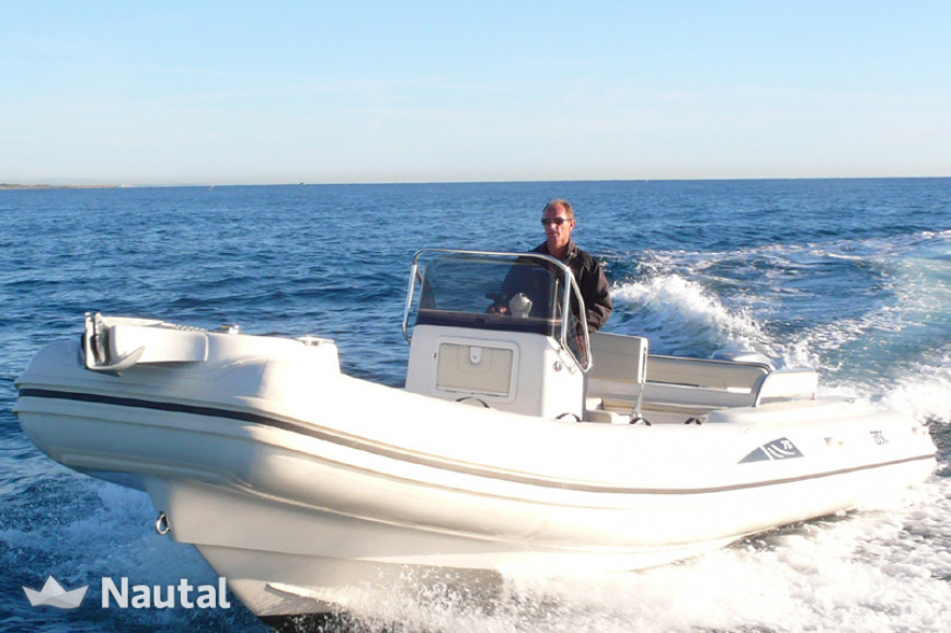 Good rates for this inflatable boat at the coast of Port de  Canet-en-Rousillon