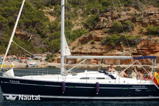Sailing boat rent Beneteau Oceanis Clipper 393 in Campomanes, Alicante