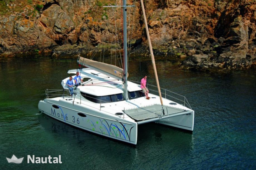 Huur catamaran Fountaine Pajot Mahe 36 Evolution in Key West Harbour, Florida Keys