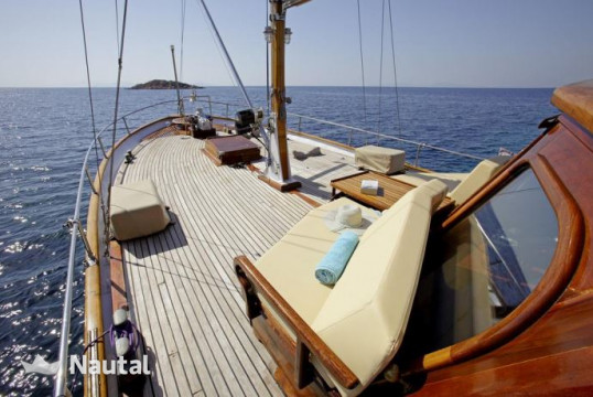 Gulet rent Custom made Motor sailer Classic in Marina Kalamaki, Athens