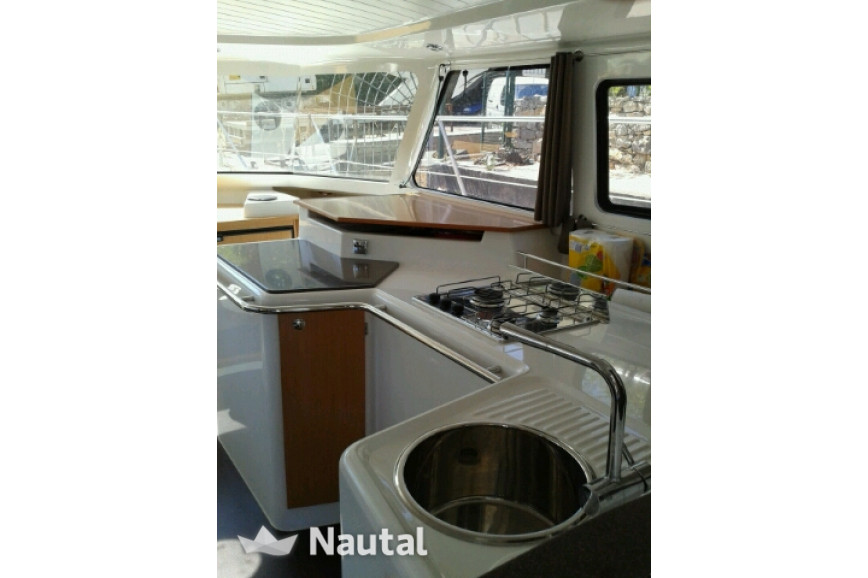 Louer catamaran Fountaine Pajot Highland 35, Cogolin, Var