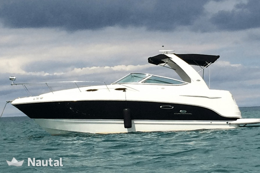 Yacht rent Chaparral 28ft in Belmont Harbor, Chicago