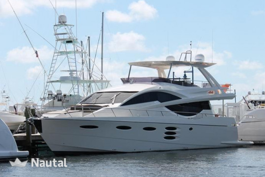 Yacht rent Pershing 90 in Miami Beach, South Florida