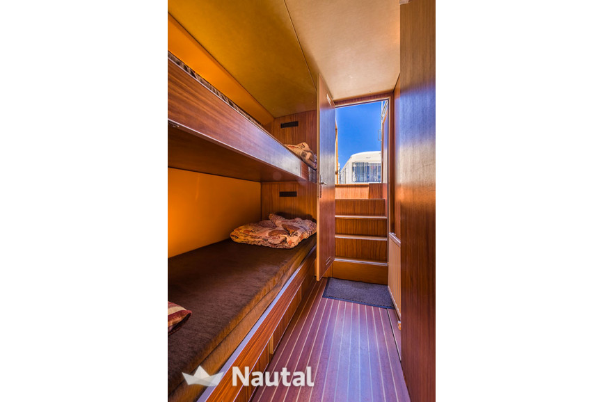 Houseboat rent Locaboat 1400FB in Loosdrecht, North Holland