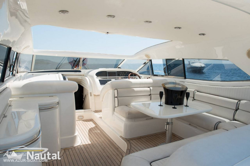With this predator 63 discover the beaches of pampelonne - Restaurant port santa lucia saint raphael ...
