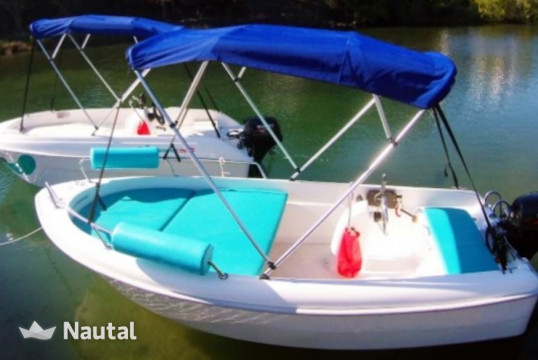 License free boat rent Custom Stable 400 in Cala Galdana, Menorca