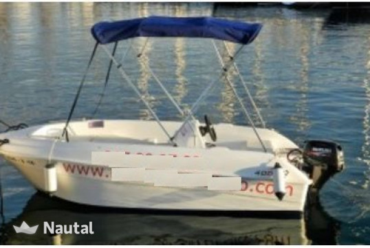 License free boat rent Custom Compax 400 in Sitges, Barcelona