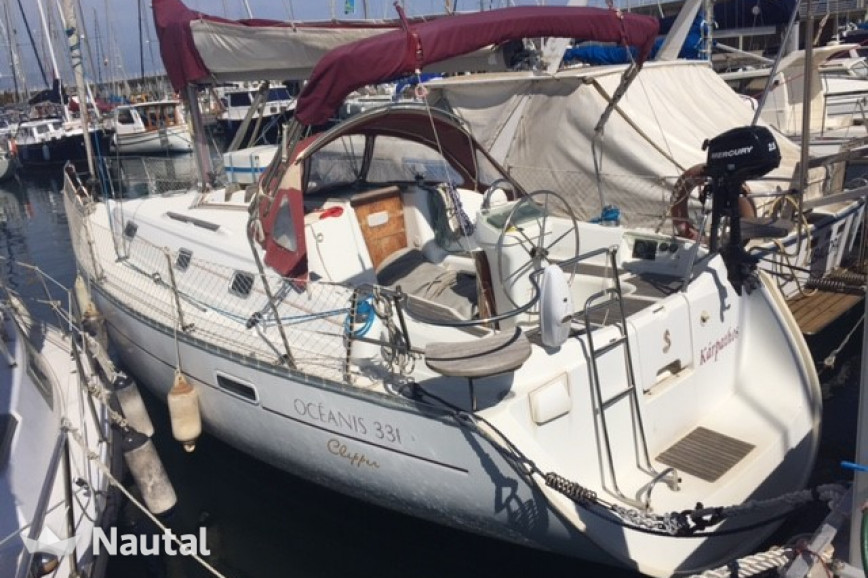 Sailing boat rent Beneteau Oceanis Clipper 331 in Port Olímpic, Barcelona