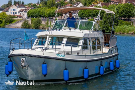 Houseboat rent Linssen 349 GS in Port de Joigny, Yonne