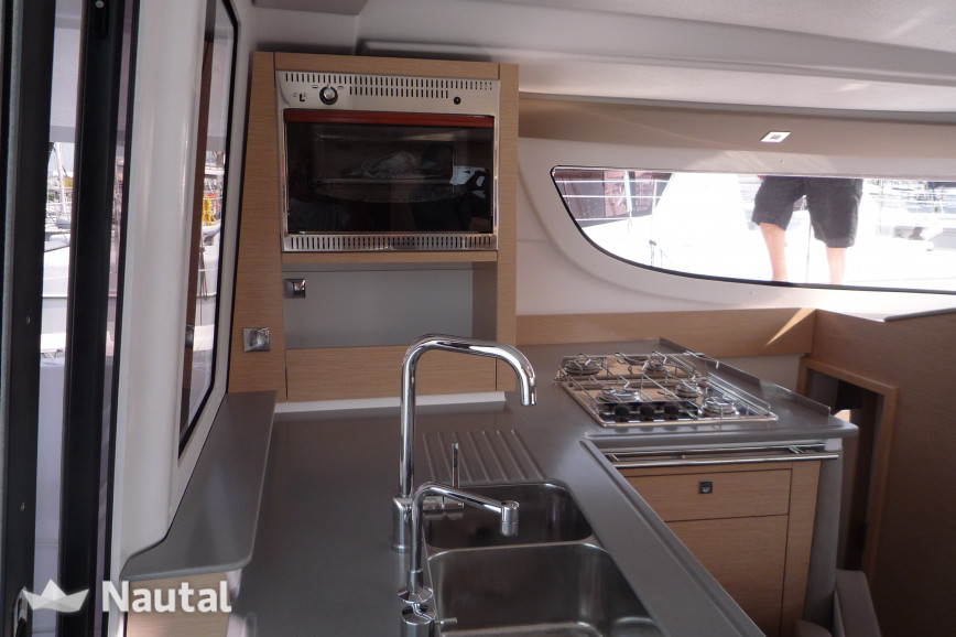 Huur catamaran Fountaine Pajot Lipari 41 in Cogolin, Var