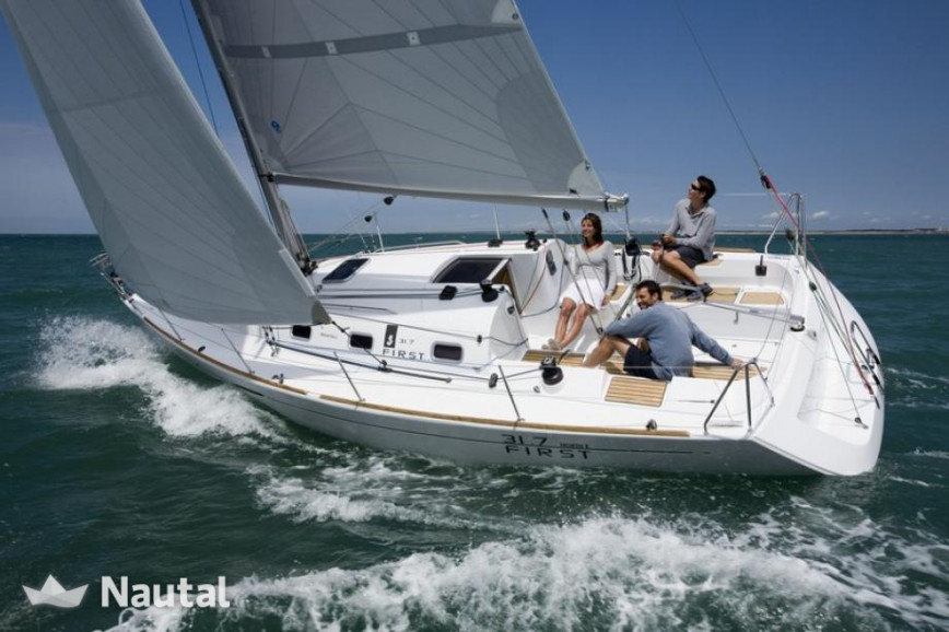 Sailing boat rent First First 31.7 in Port du Crouesty, Morbihan - Crouesty