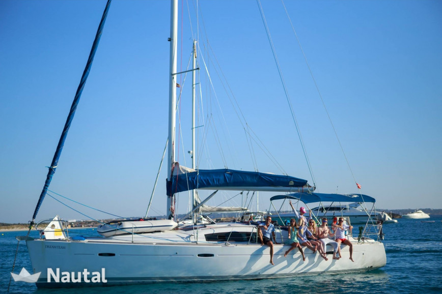 Sailing boat rent Beneteau Oceanis 43 in Port d'Eivissa, Ibiza