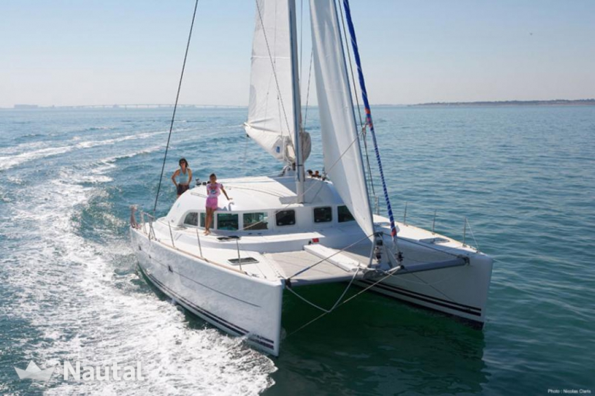 Catamaran rent Lagoon 380 in Can Pastilla, Mallorca