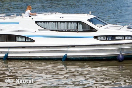 Houseboat rent Custom Magnifique in Hindeloopen, Friesland