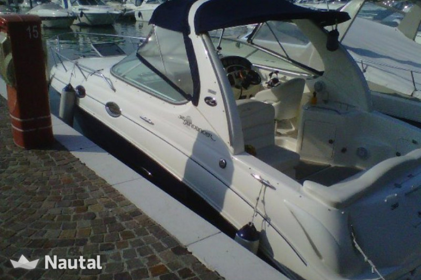 Huur motorboot Sea Ray 315 Sundancer (Skipper) in Porto di Moniga del Garda, Gardameer