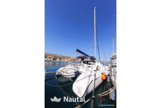 Huur catamaran Fountaine Pajot Lavezzi 40 in Port Trogir, Split en Hvar