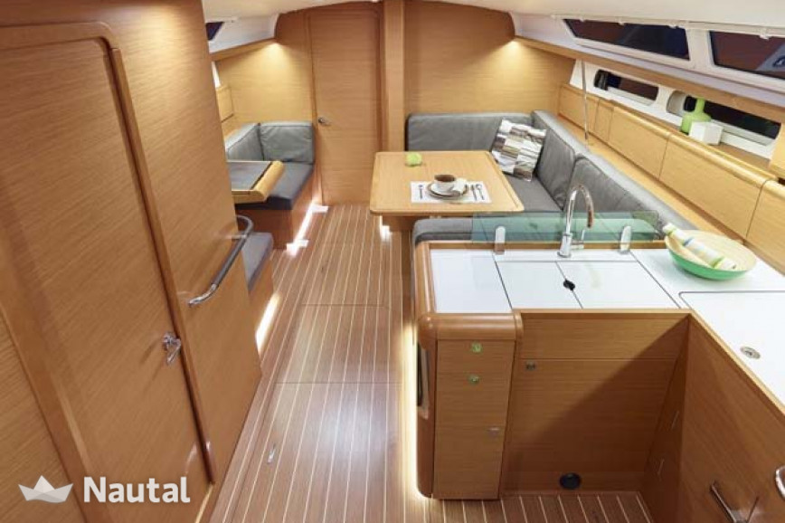Sailing boat rent Jeanneau Sun Odyssey 419 in Plattsburgh City Marina, Lake Champlain