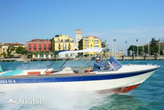 Motorboat rent Custom Magia in Sirmione, Lake of Garda