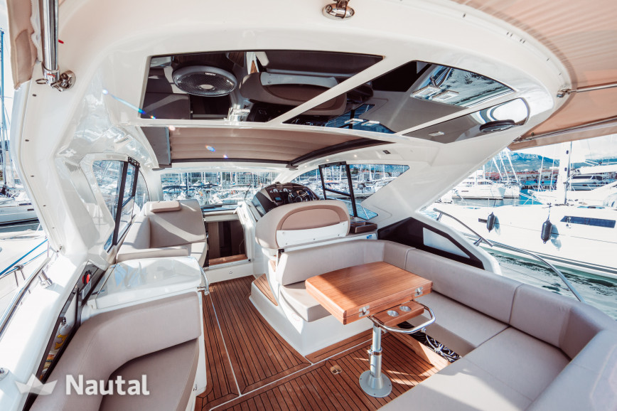 Motorboat rent Cranchi Yachts  M44 in Cala d'Or, Mallorca