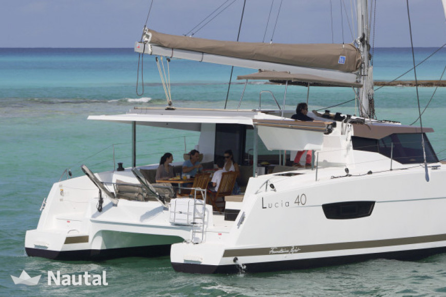 Huur catamaran Fountaine Pajot Lucia 40 O.V. with watermaker in Jolly Harbour Marina, Antigua en Barbuda