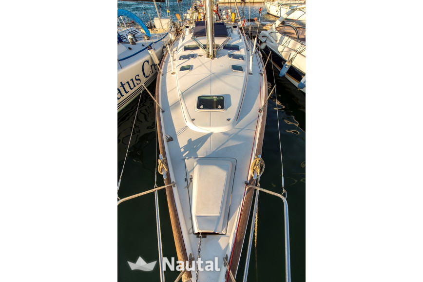 Sailing boat rent Beneteau Oceanis 423 in Mikrolimano, Athens