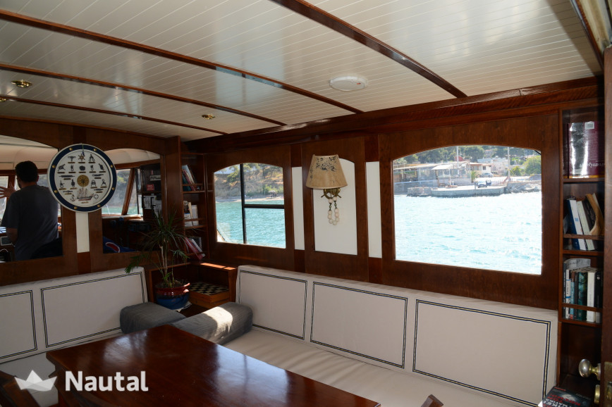 Yacht rent Graham Bunn Fairmile Type B in Zeas Port, Athens