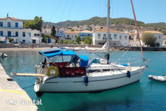 Sailing boat rent Moody 28 in Mikrolimano, Athens