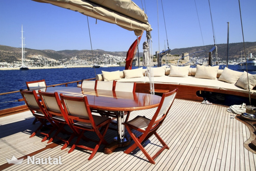 Gulet rent Custom 34m in Baotić Marina, Split, Hvar