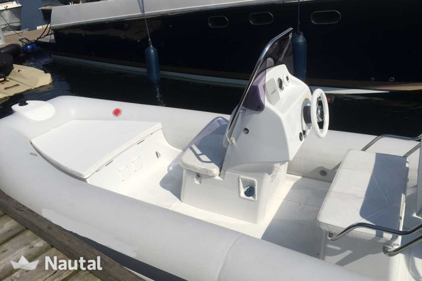 Rib-boot chartern Grand Inflatable boats 520 NL im Hafen Baltic Bay, Ostsee - Kiel